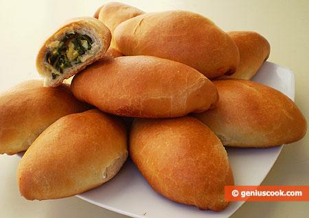 вкусные пирожки с яйцом и зеленым луком