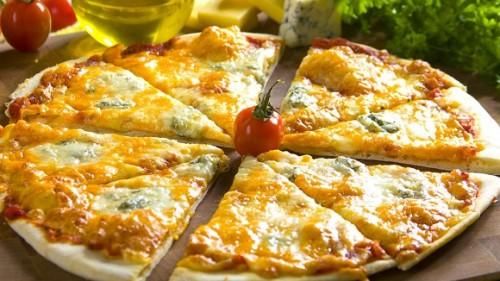 Пицца «4 сыра» (Pizza ai quattro formaggi)