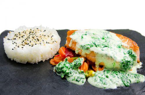 Вкусная здоровая и полезная еда только в лучшем суши ресторане