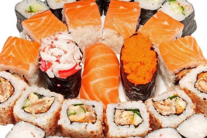 Почему люди любят заказывать на дом сушит и роллы